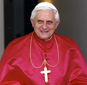 http://www.biografiasyvidas.com/biografia/r/fotos/ratzinger_2.jpg