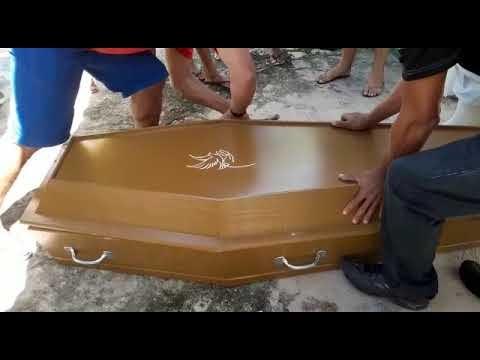 Touros: Repercute nas Redes Sociais vídeo do Corpo de uma menina de 9 anos de idade é colocado dentro do caixão com roupas sujas.
