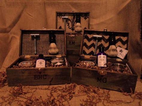 Groomsmen Gifts Vintage Shave Kits   5 Groomsmen Best Man