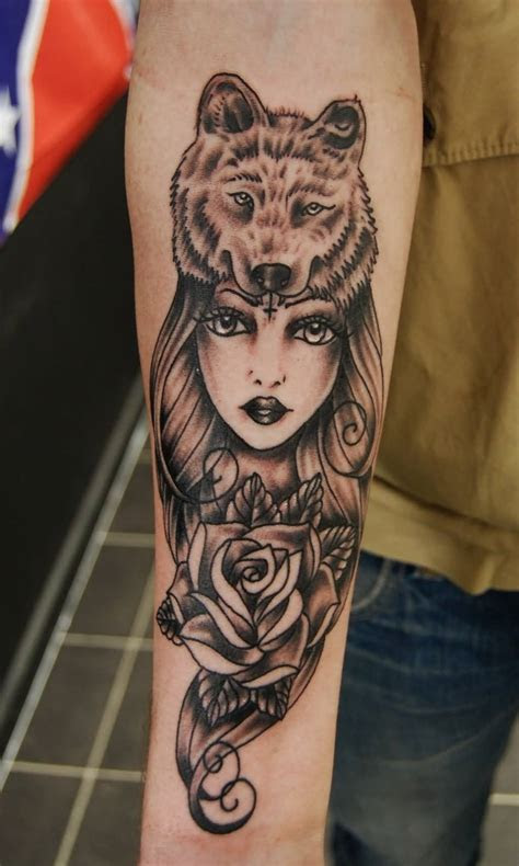 mind blowing bear girl tattoos