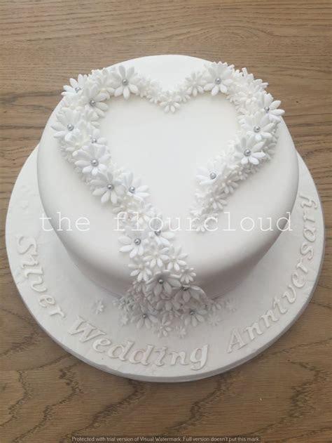 Best 25  Anniversary cakes ideas on Pinterest   Silhouette