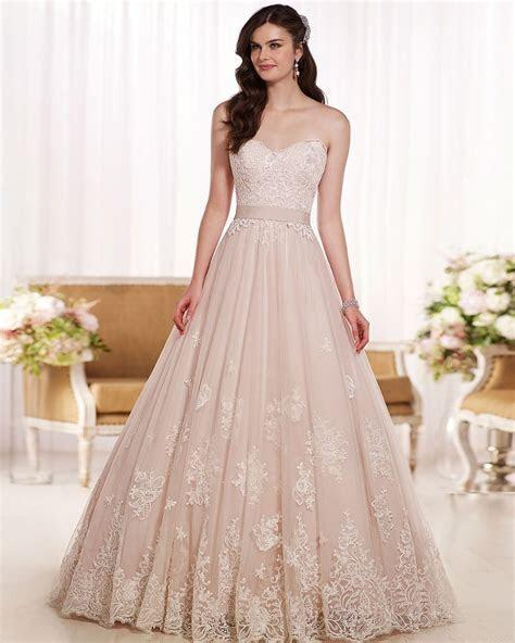 Elegant Sweetheart Lace Wedding Dresses New Design