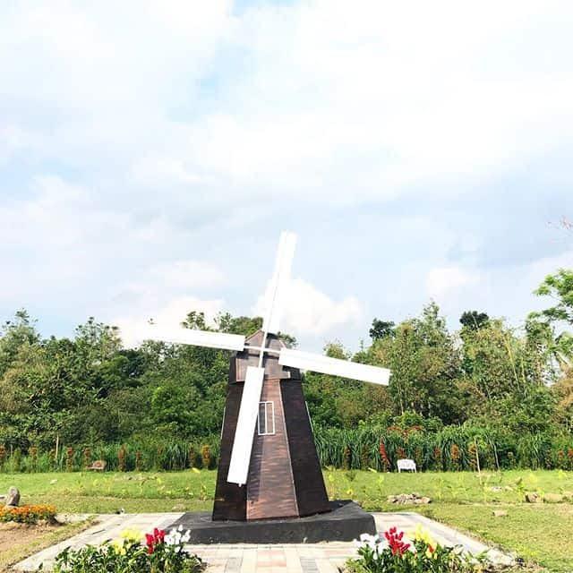 Spot Foto di The World Landmarks Merapi Park