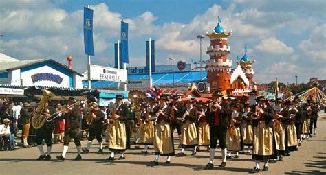 The Oktoberfest parade Trachten und Schützenzug   Oktoberfest