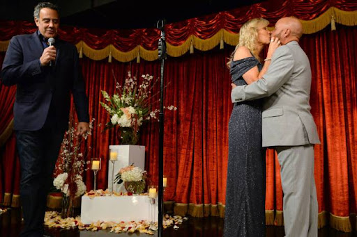 Avatar of Brad Garrett brings the love, laughs at MGM Grand wedding