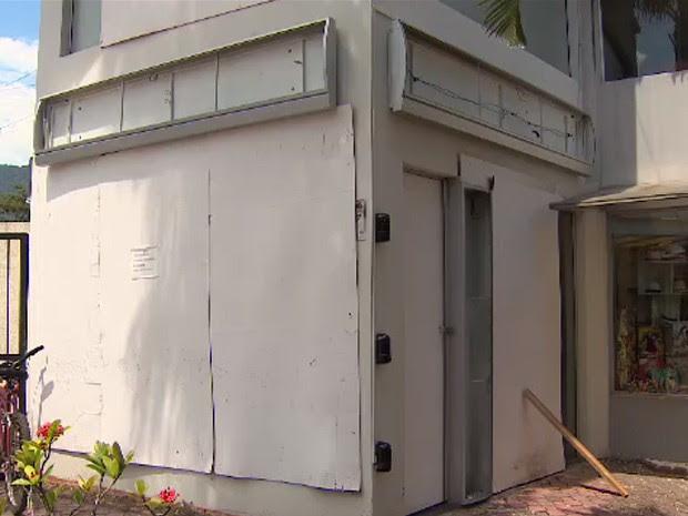 Caixas eletrônicos 'somem' após onda de explosões no litoral de SP (Foto: Reprodução/ TV Vanguarda)