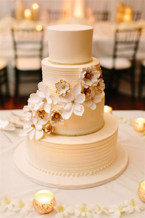 Wedding Flowers and Decorations in 2019   Wedding cakes