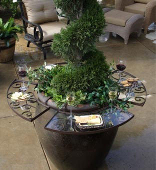 Outdoor Entertaining Tables | Interior Decorating Tips