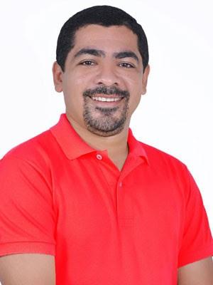 Demantiuer Rocha de Souza (PC do B) foi vítima de um tiro na altura do peito na Redinha, litoral Norte do RN (Foto: Reprodução/Arquivo pessoal)