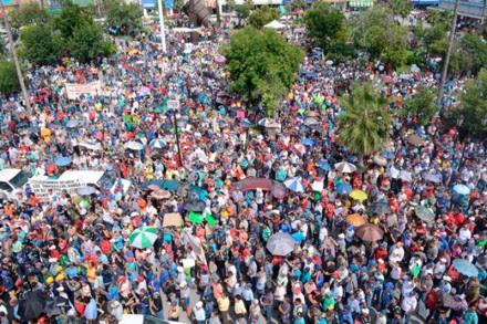 La marcha de acereros en Monclova. Foto: @AceroAHMSA