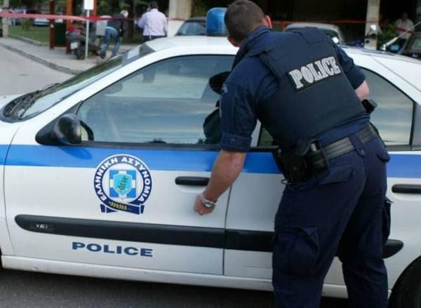 """Σύλληψη 8 νονών για """"προστασία"""" σε μαγαζιά"""