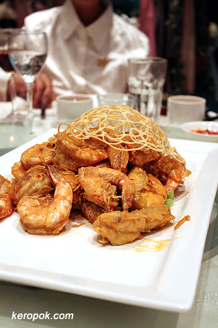 Stir Fried prawns with salted egg yolk and butter