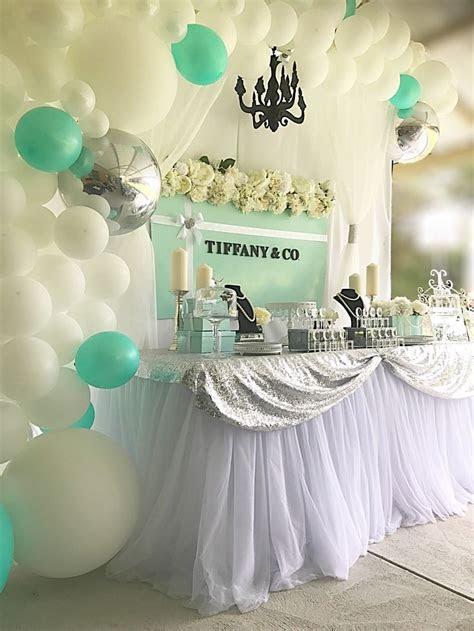 Tiffany & Co backdrop/balloon garland/mint/silver/white