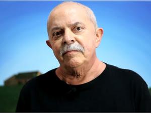 O ex-presidente Luiz Inacio Lula da Silva, em vídeo gravado após resultados de exames sobre o câncer (Foto: Reprodução)