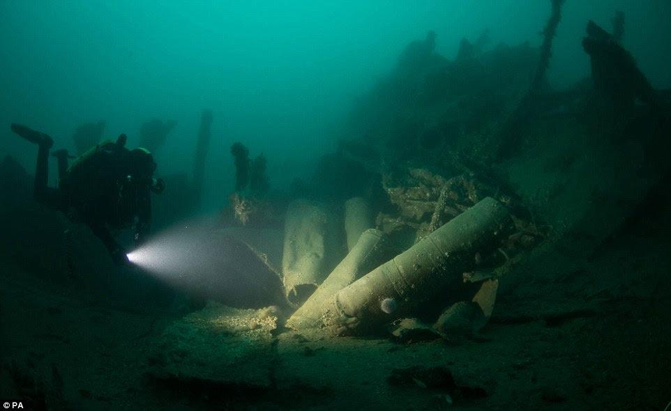mergulhadores-mostram-fotos-de-navio-que-afundou_4