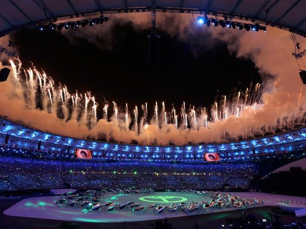 Artistas dão início à cerimônia de abertura dos Jogos Olímpicos Rio 2016 no Maracanã (Foto: Issei Kato/Reuters)