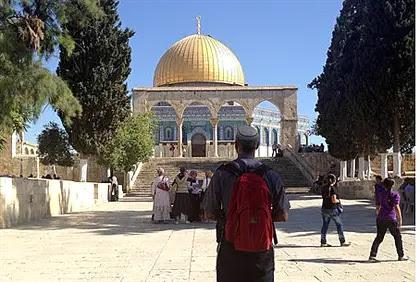 Jewish man on the Temple Mount