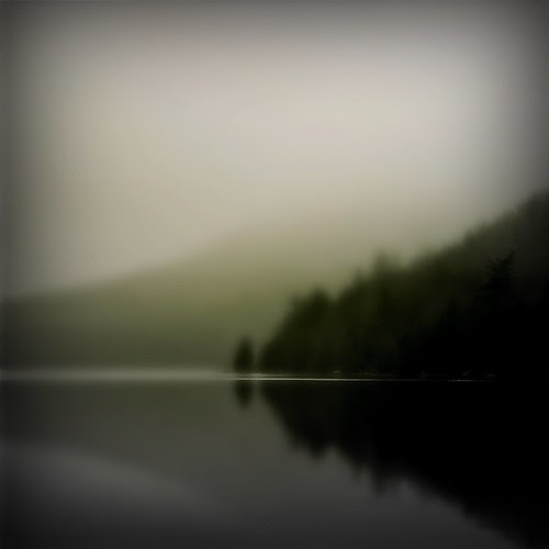 ISLAND POND por Robert Moran...