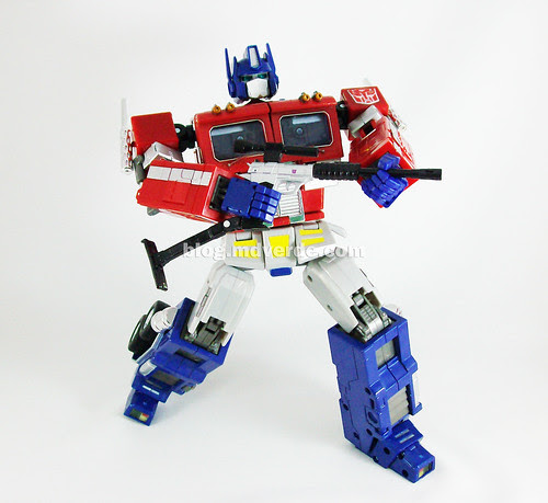 Transformers Optimus Prime Masterpiece MP-4 - modo robot