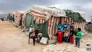 Crianças sírios em um campo de refugiados em Arsal, Líbano (02 de outubro de 2012)