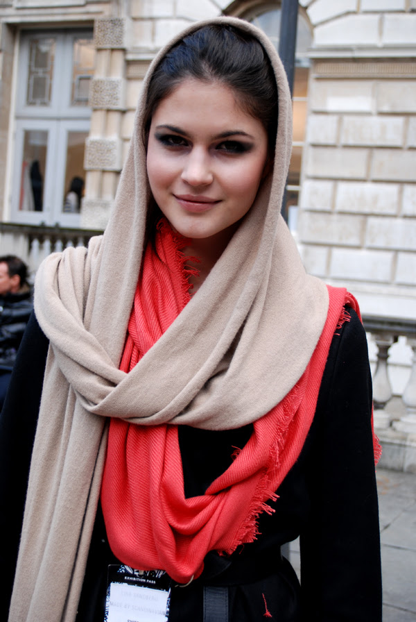 head_scarves2_london_fashion_week