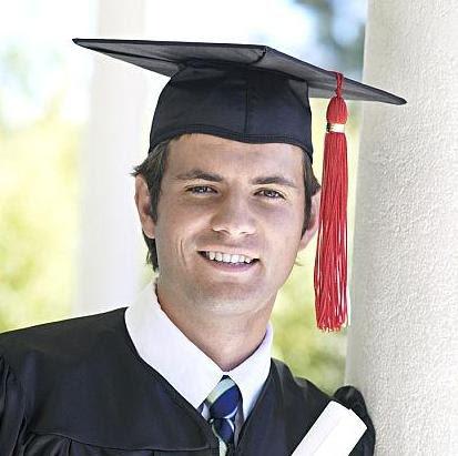 rit de trecere: serbarea de absolvire cu costume speciale