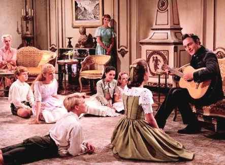 http://www.solarnavigator.net/films_movies_actors/film_images/von_trap_family_edelweiss_scene.jpg
