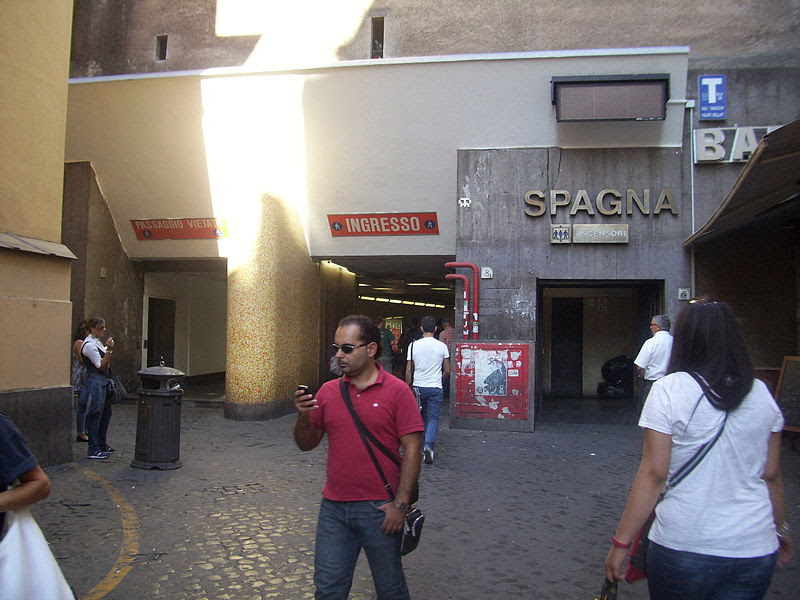 File:Stazione di Spagna.jpg