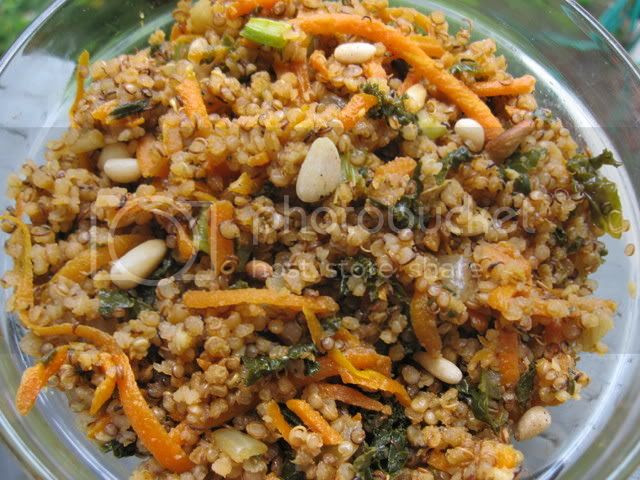 Gluten-Free Toasted Quinoa Pilaf with Garlic and Kale