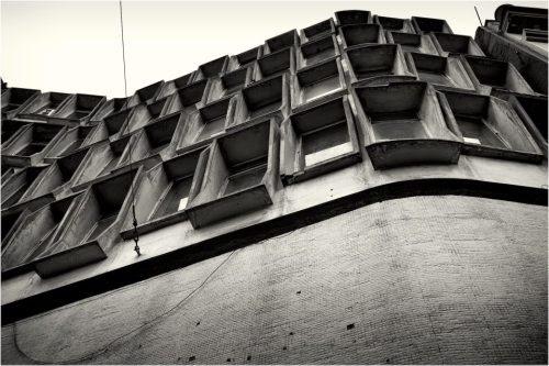 c. 1960, Jaime Dávalos, calle Guayaquil, Plaza del Teatro (detalle)