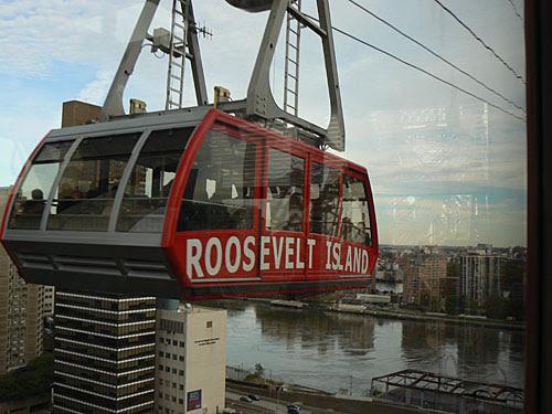 Roosevelt island tram.jpg
