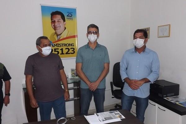Deputado Coronel Azevedo cumpre agenda junto ao prefeito, presidente da Câmara e visita Hospital Regional