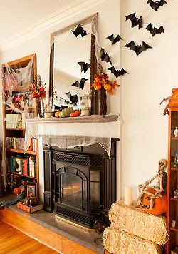 Great way to decorate your mantel for Halloween 2013! #home #Fall #2013 #Halloween