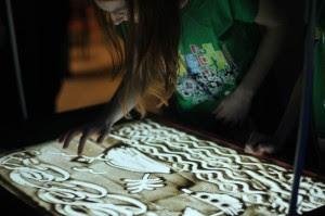 Malowanie Piaskiem Lekcje Pobudzające Kreatywność Muzeum