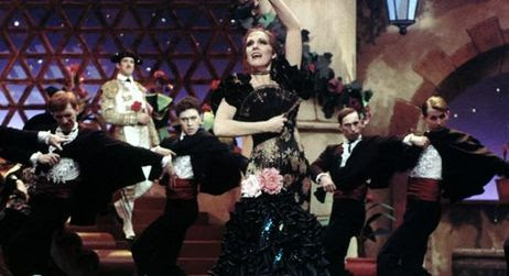 Julie Andrews singing the Shady Dame from Seville in Victor Victoria