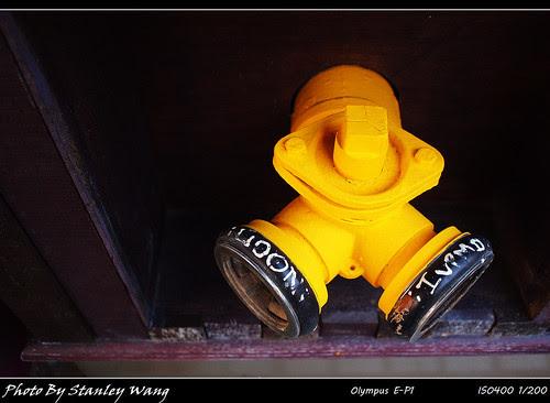 黃色消防栓
