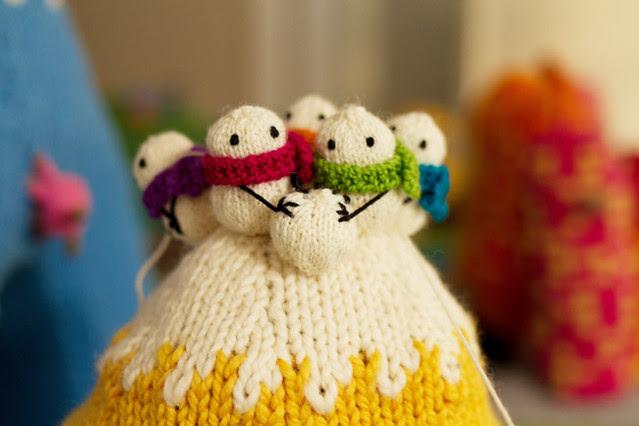 """""""Greetings from Mochimochi"""" snowmen"""