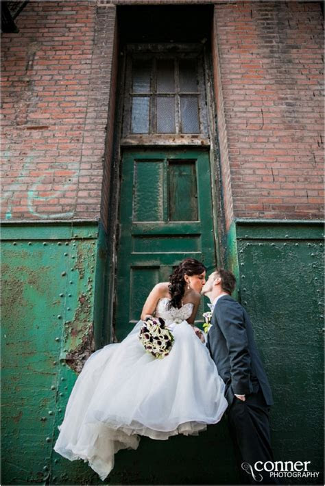 St Louis Wedding Photographers   Windows on Washington