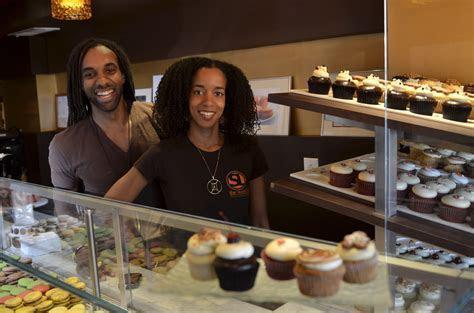 98 Degrees Cake Shop ? Brithday Cake