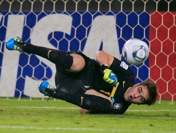 gabriel  brasil x espanha sub-20 mundial (Foto: Reuters)