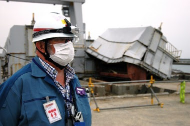 Mike Weightman at Fukushima Daini, May 2011 (Greg Webb/IAEA)