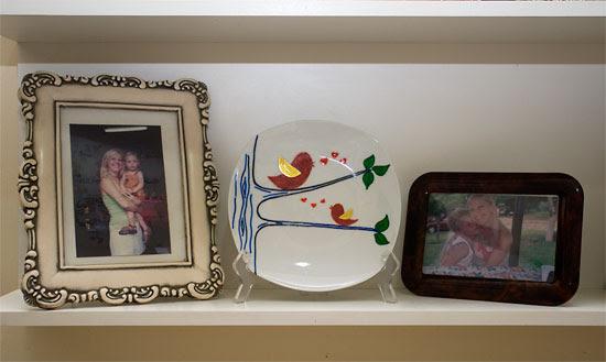 Prato de porcelana branca pintado à mão para oferecer de presente