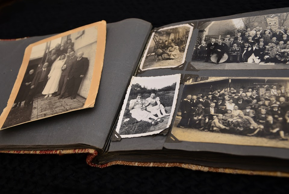 Removing Old Photo Album Paper From Photos Association For Library