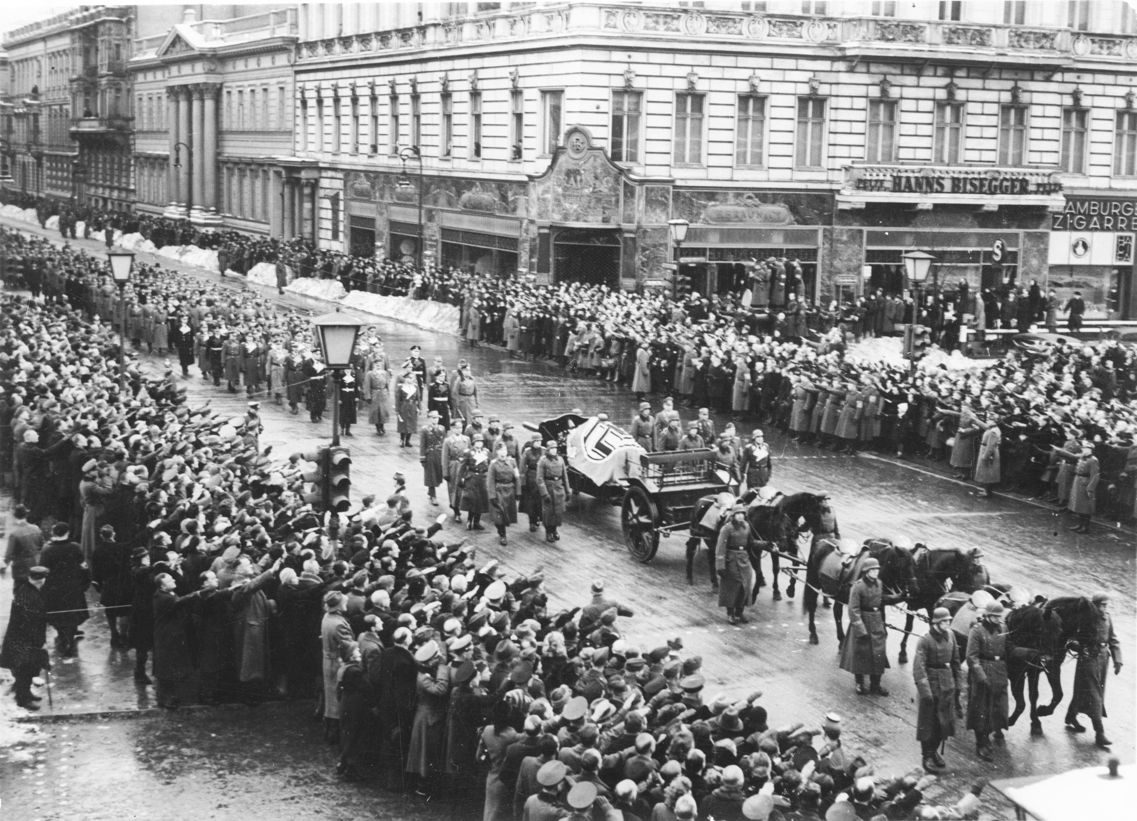 File:Bundesarchiv Bild 183-J00405, Berlin, Unter den Linden, Trauerzug für Fritz Todt.jpg