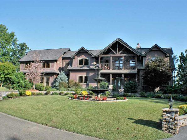 Huge Master Suite  Gatlinburg Real Estate  Gatlinburg TN Homes For Sale  Zillow