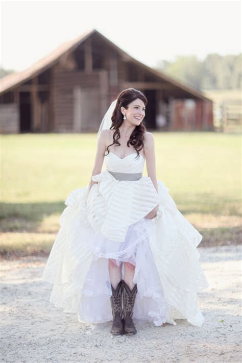 20 Best Country Chic Wedding Dresses: Rustic & Western