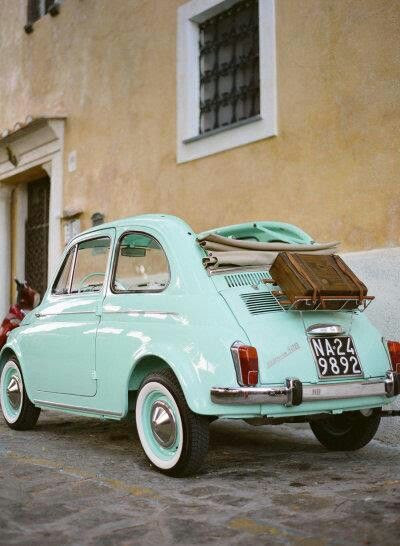 My heart is divided between an old Cinquecento and an old vespa...