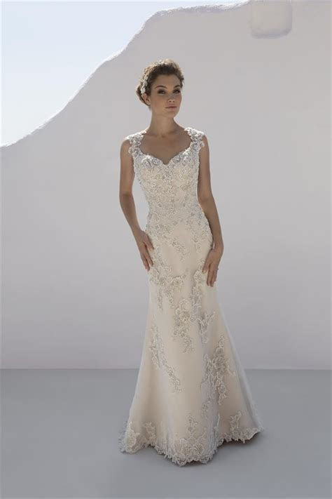 7221 Wedding Dress from Mark Lesley   hitched.co.uk