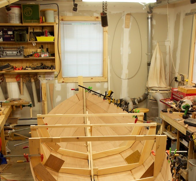 Becy: Plywood lapstrake boat plans