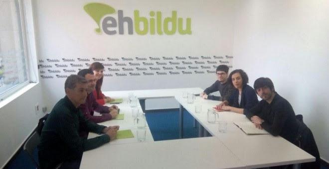 Imagen del encuentro entre Podemos y Bildu. TWITTER